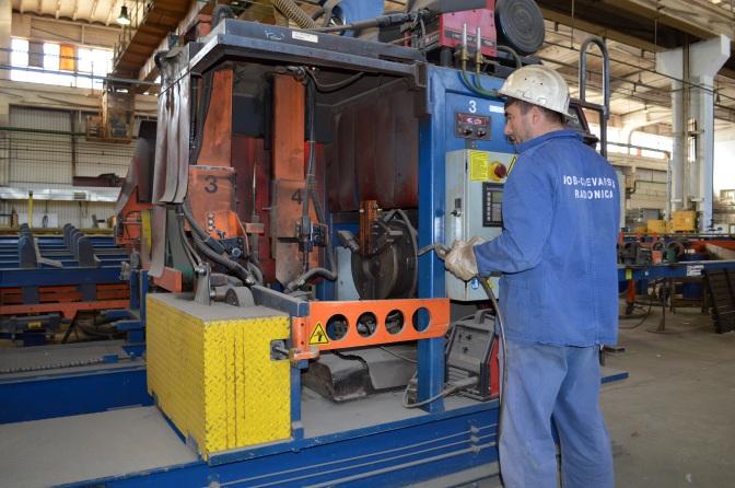 Automatizirano zavarivanje prirubnica na oba kraja cijevi promjera od 25 do 350 mm
